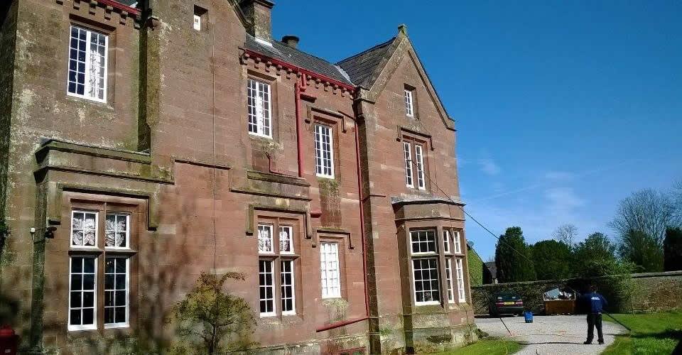 Carlisle window cleaner high reach ladder-less cleaning